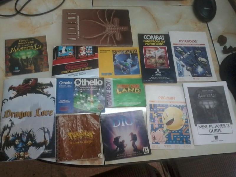 Algunos manuales de videojuego de mi colección